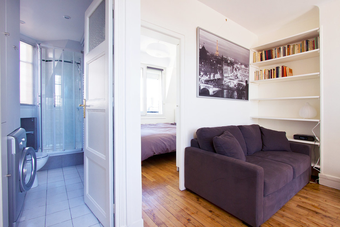 Appartement Paris Rue la Condamine 9