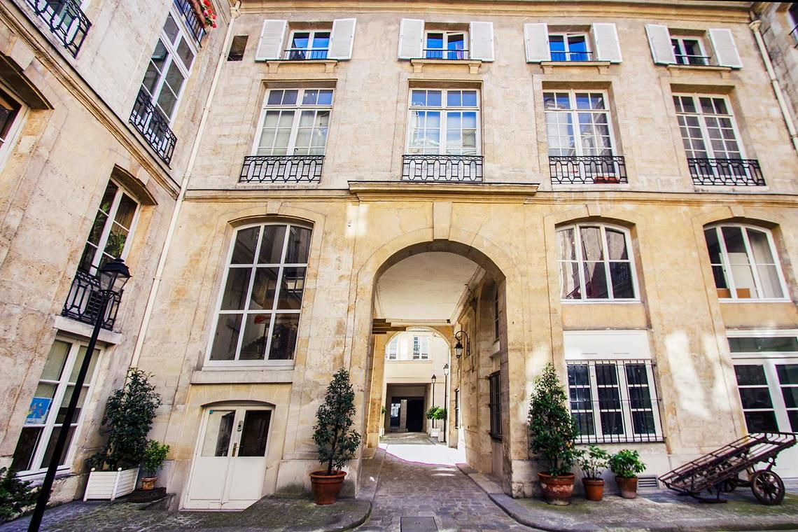 Apartment Paris Rue des Bourdonnais 9