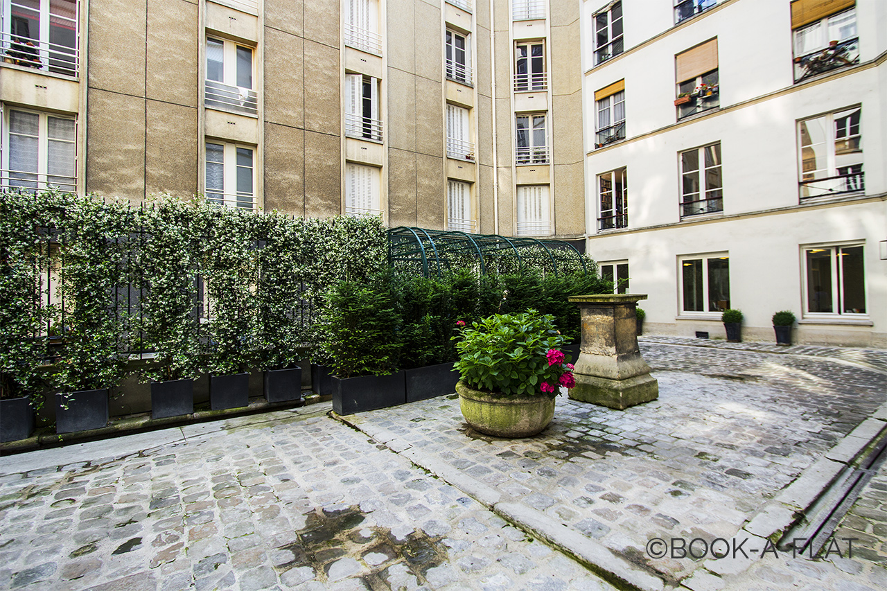 Appartement Paris Rue Corneille 12