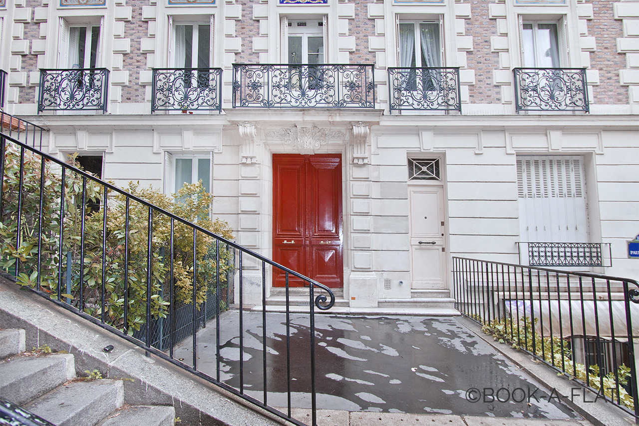Квартира Paris Rue Paul Albert 8