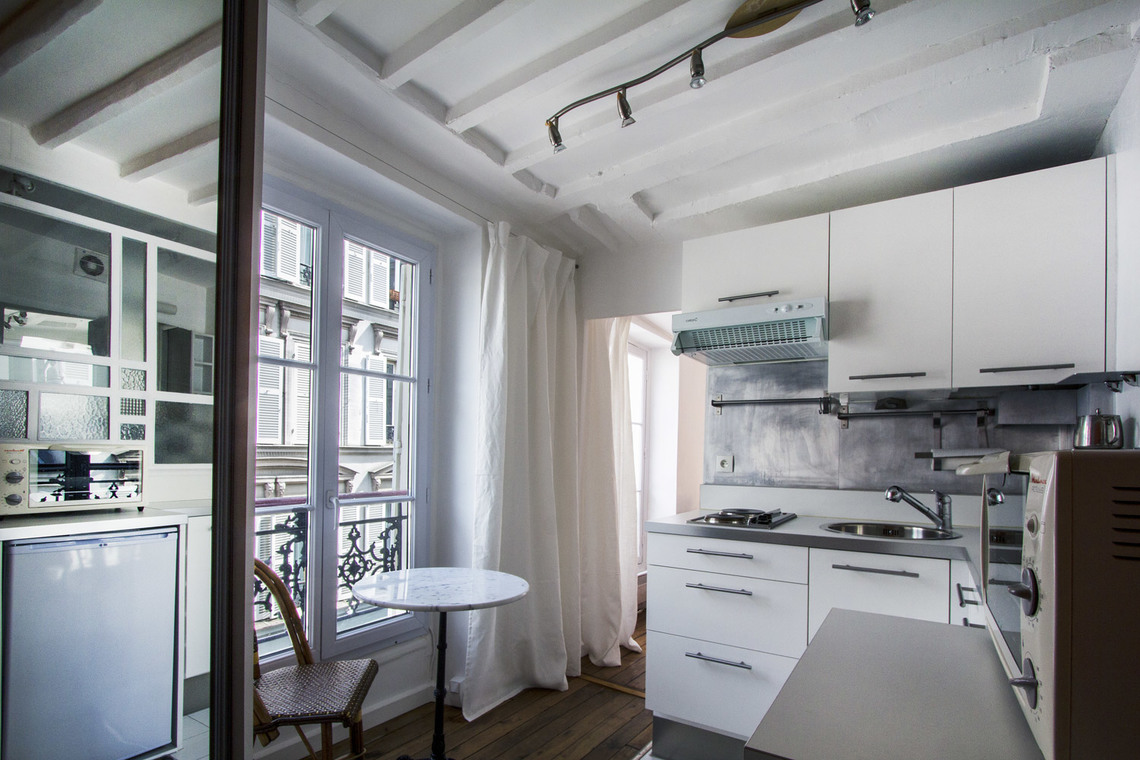 Apartment Paris Rue des Martyrs 5