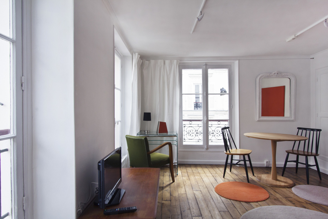 Apartment Paris Rue des Martyrs 2