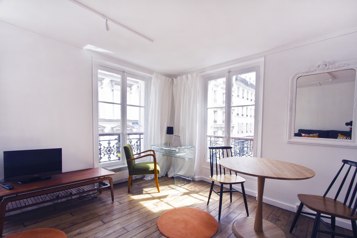 Apartment Paris Rue des Martyrs 3