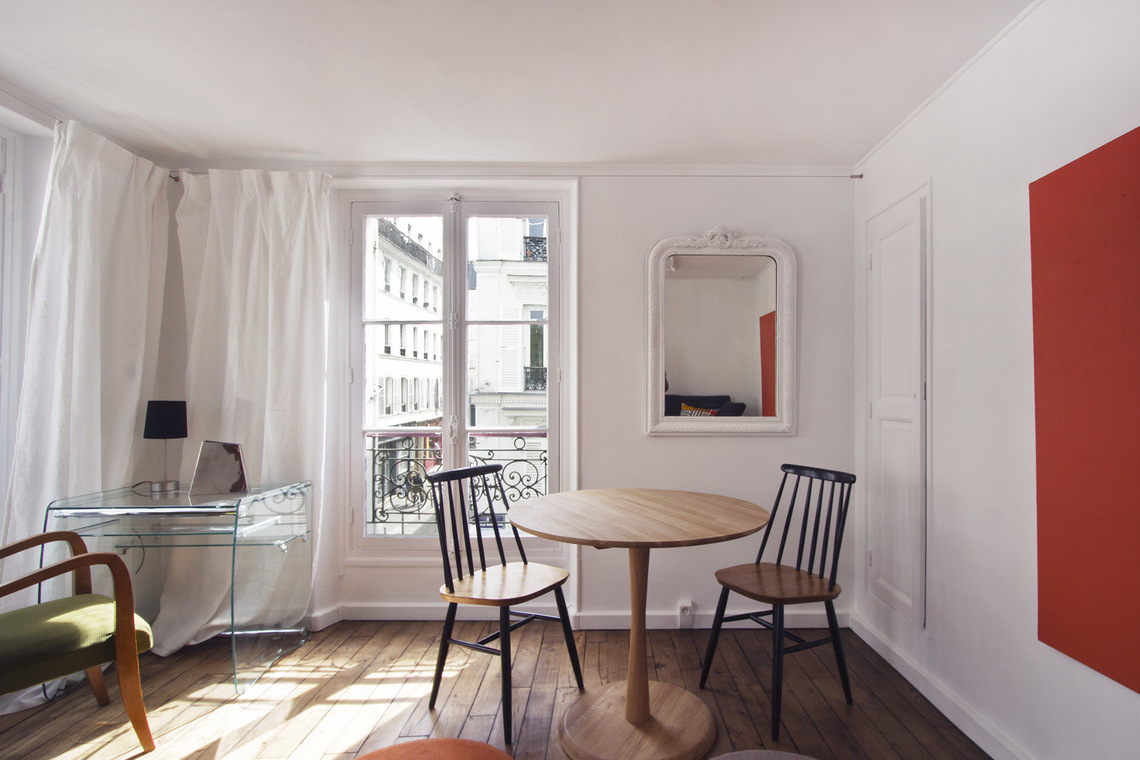 Apartment Paris Rue des Martyrs 4