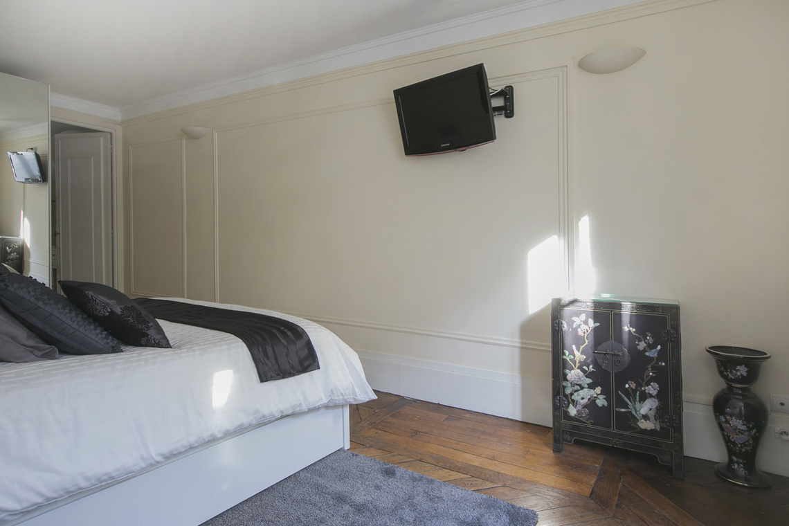 Apartment Paris Rue Saint Roch 10
