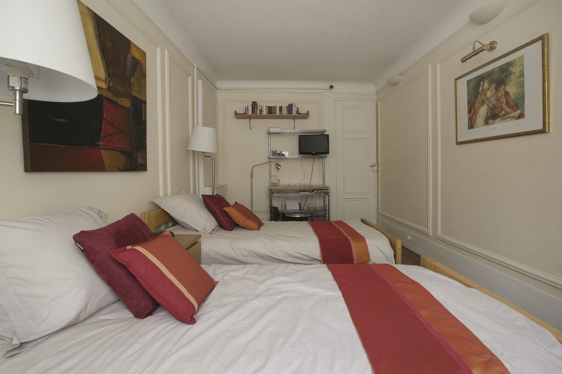 Apartment Paris Rue Saint Roch 15