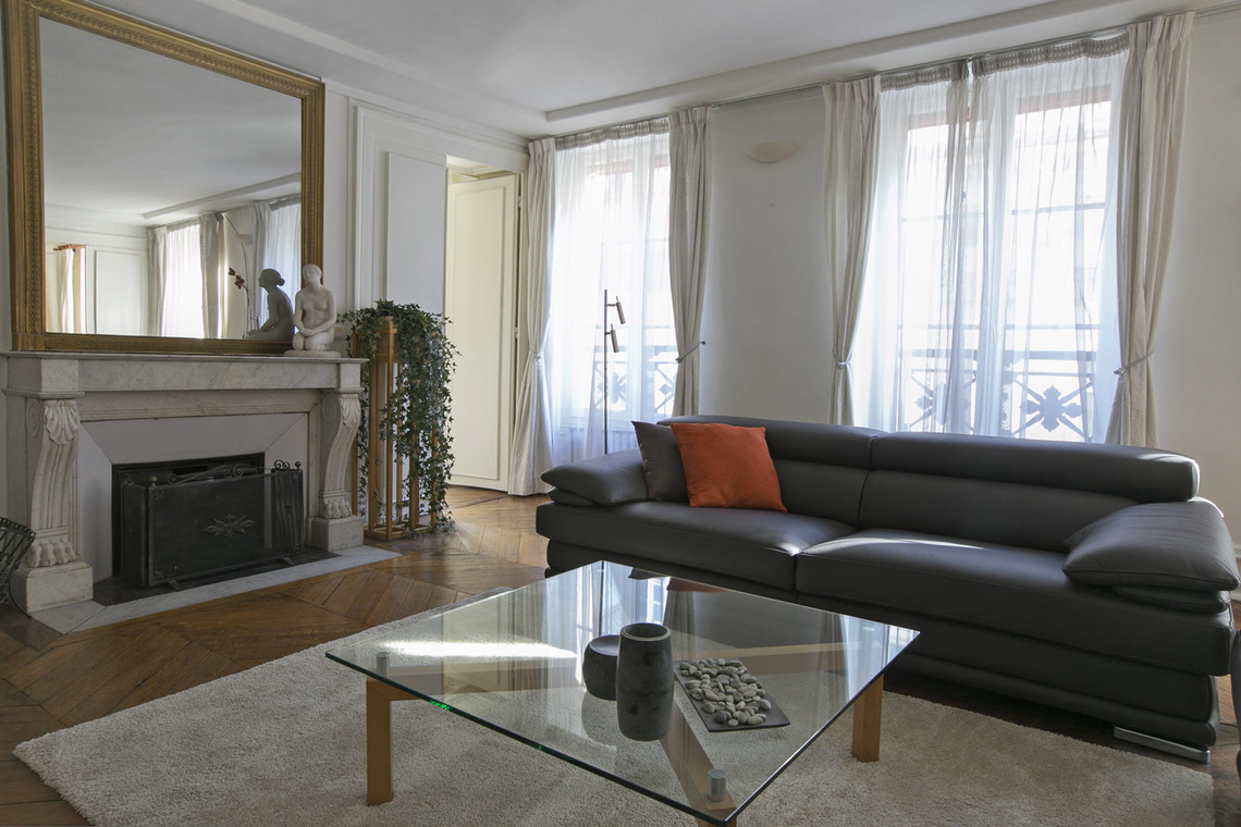 Apartment Paris Rue Saint Roch 2