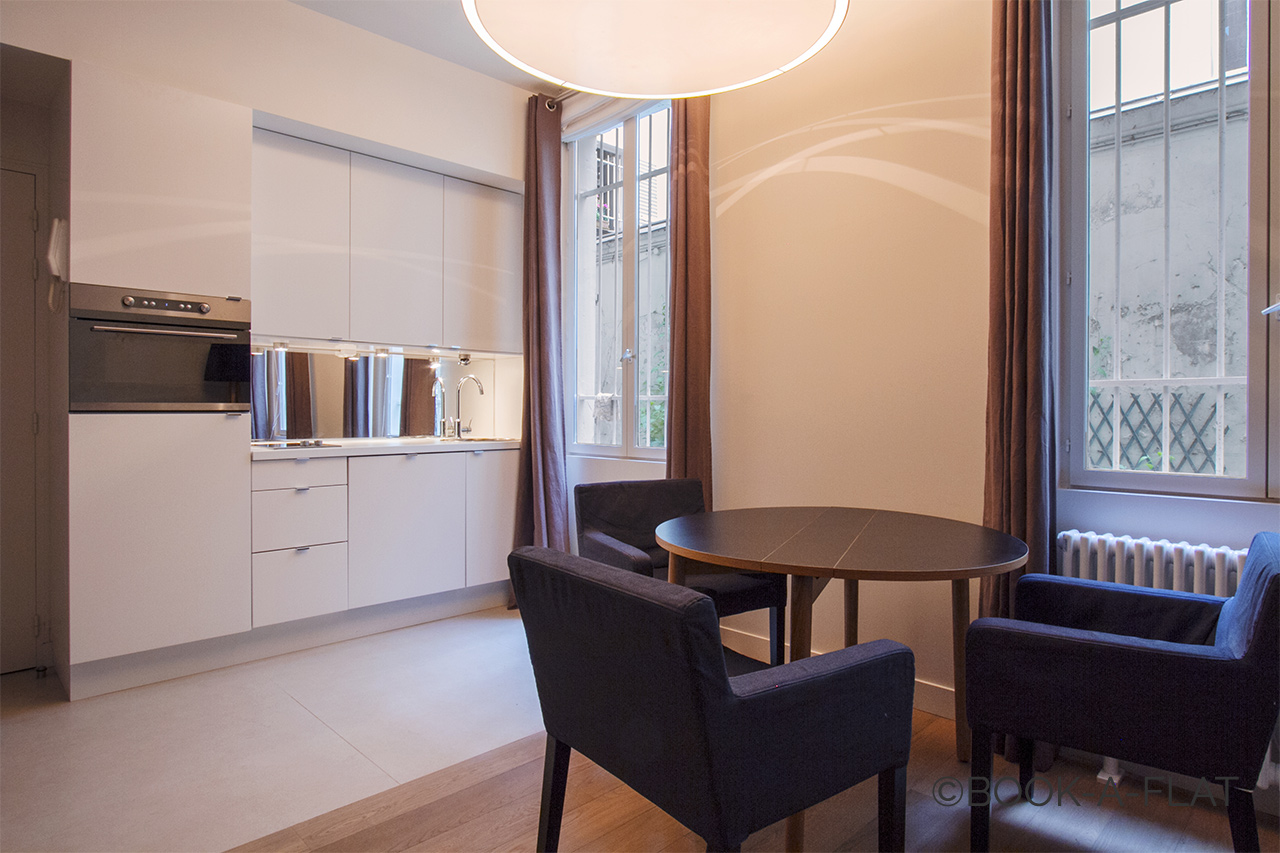 Apartment Paris Fourcroy 3