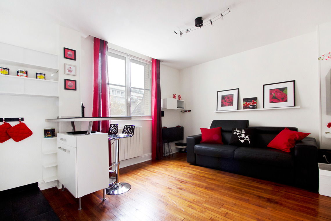Location studio meubl rue jouvenet paris ref 7770 for Location appartement non meuble paris