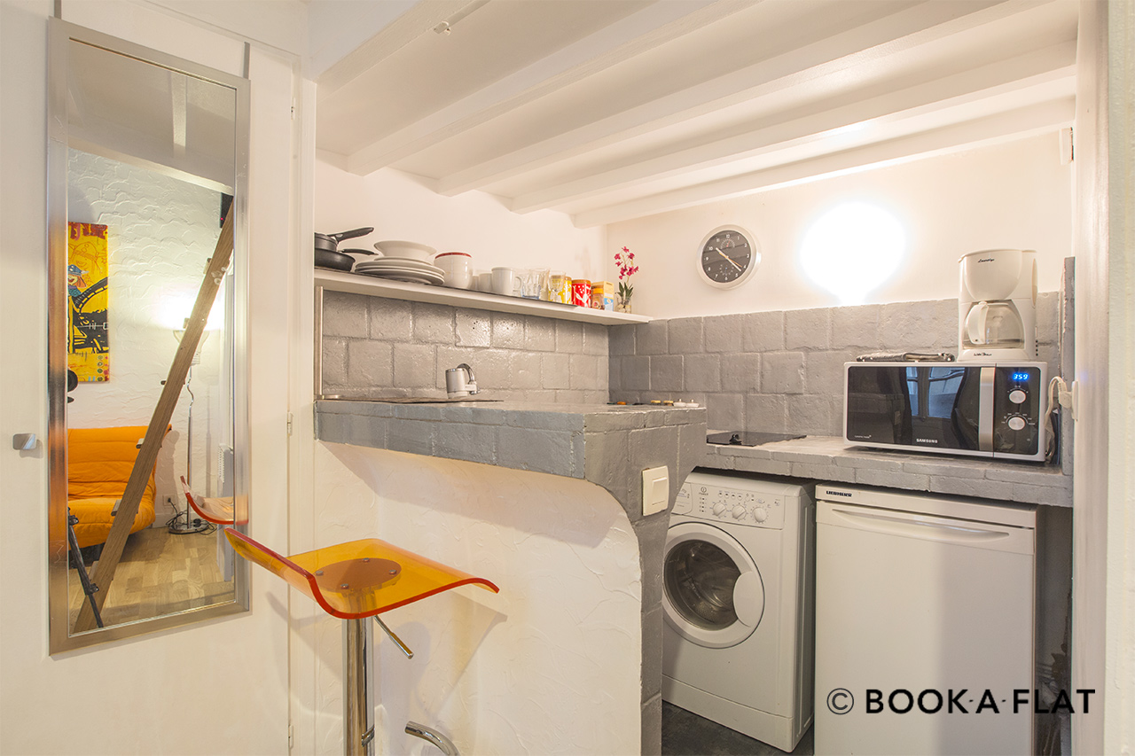 Apartment Paris Rue de Buci 7