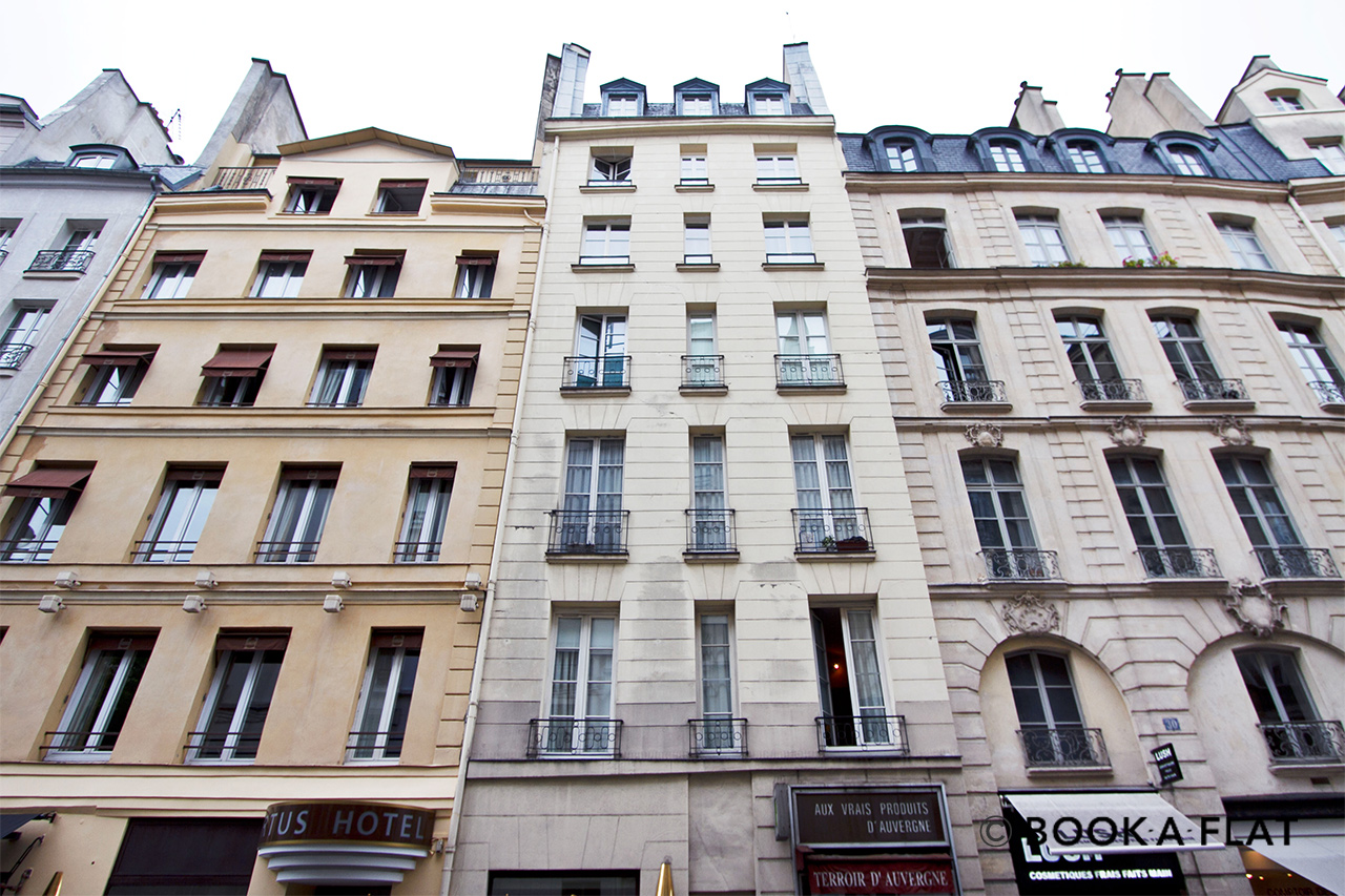 Apartment Paris Rue de Buci 10