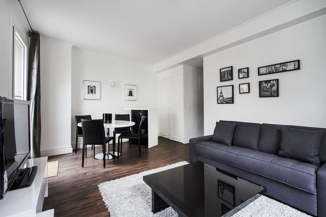 Paris Rue Joseph Sansboeuf (3T) Apartment for rent