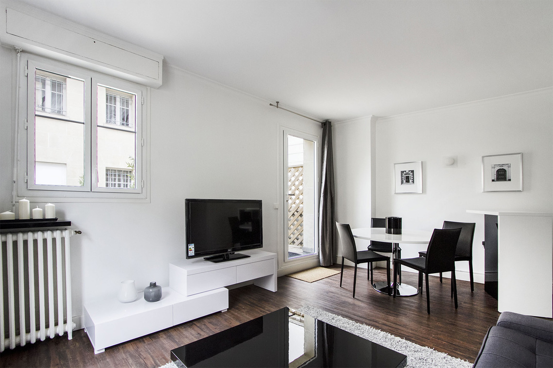Apartment Paris Rue Joseph Sansboeuf (3T) 2