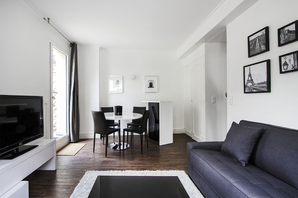 Apartment Paris Rue Joseph Sansboeuf (3T) 3