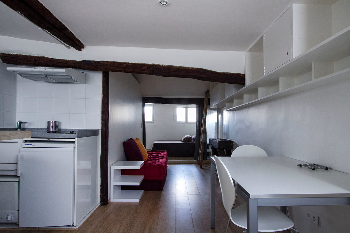 Apartment Paris Rue la Condamine 4