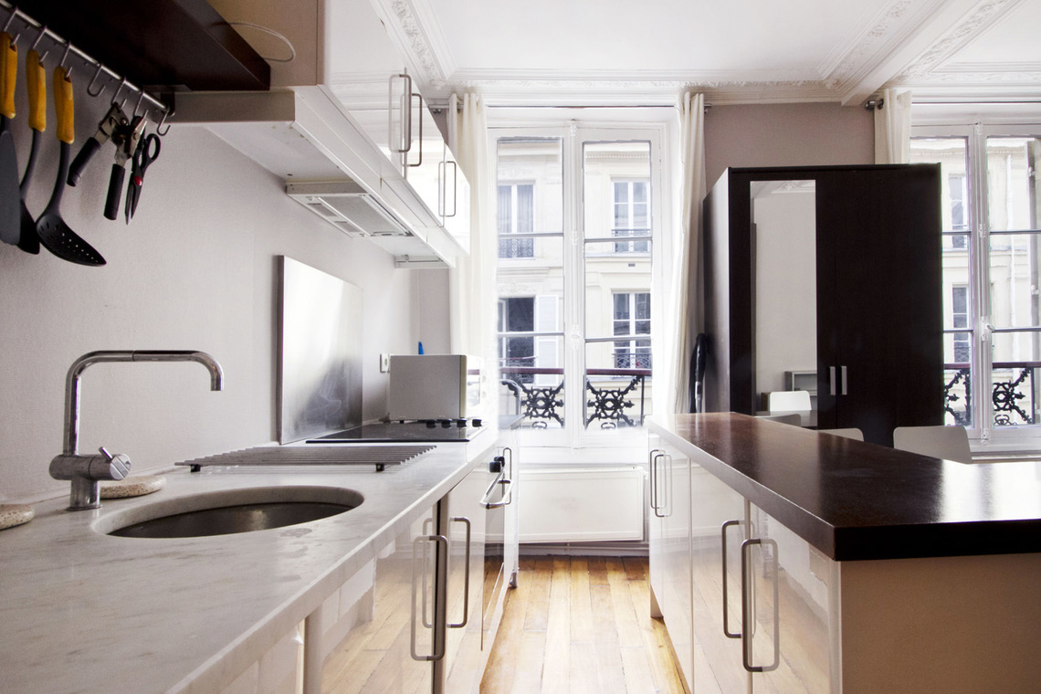 Apartment Paris Rue Mansart 8