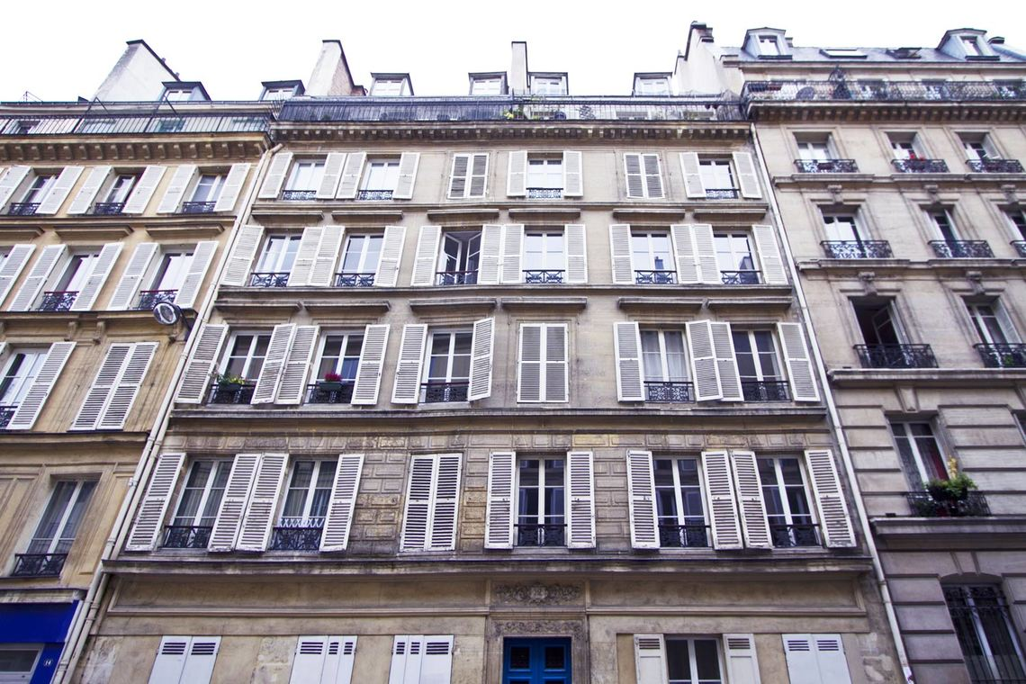 Apartment Paris Rue Mansart 12