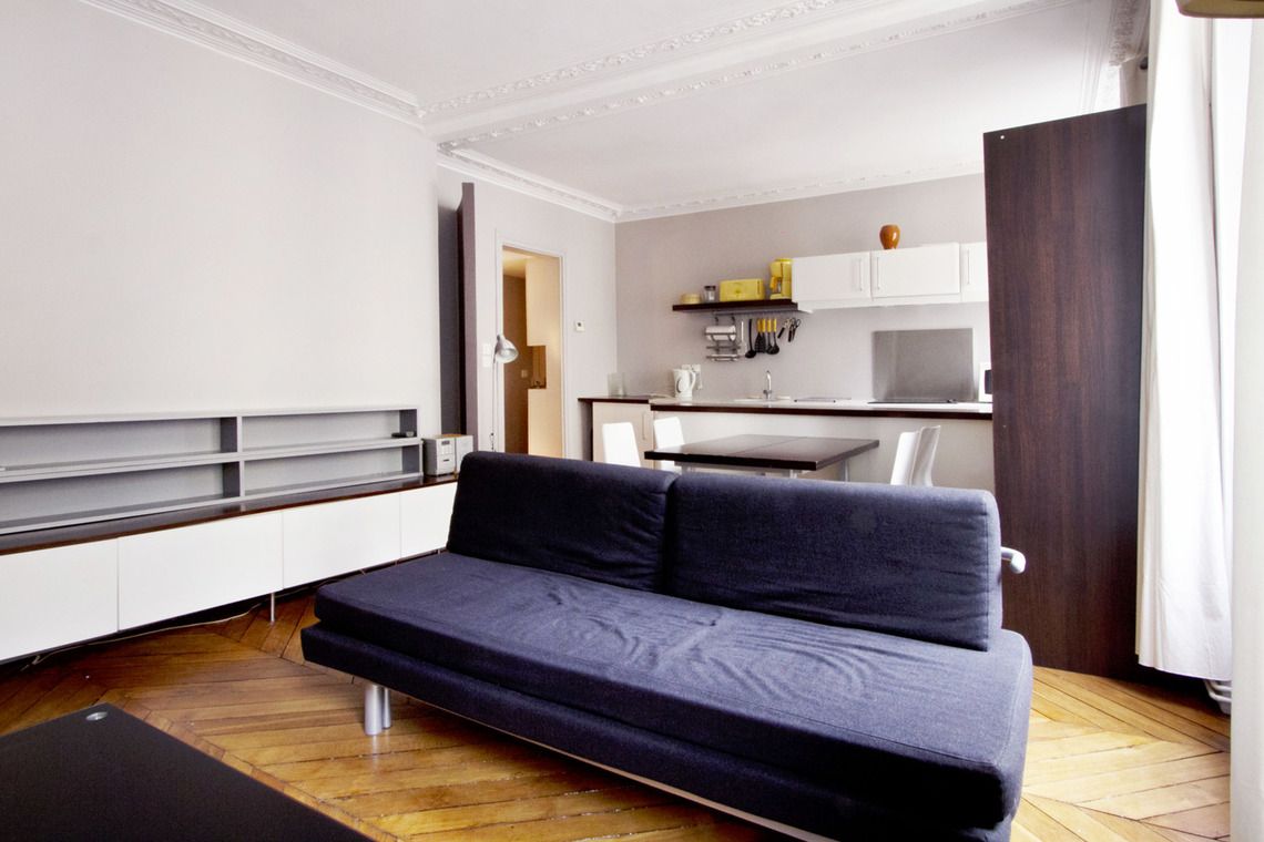 Paris Rue Mansart Apartment for rent