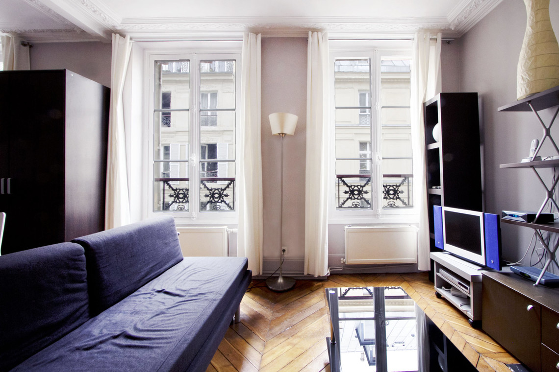 Apartment Paris Rue Mansart 5