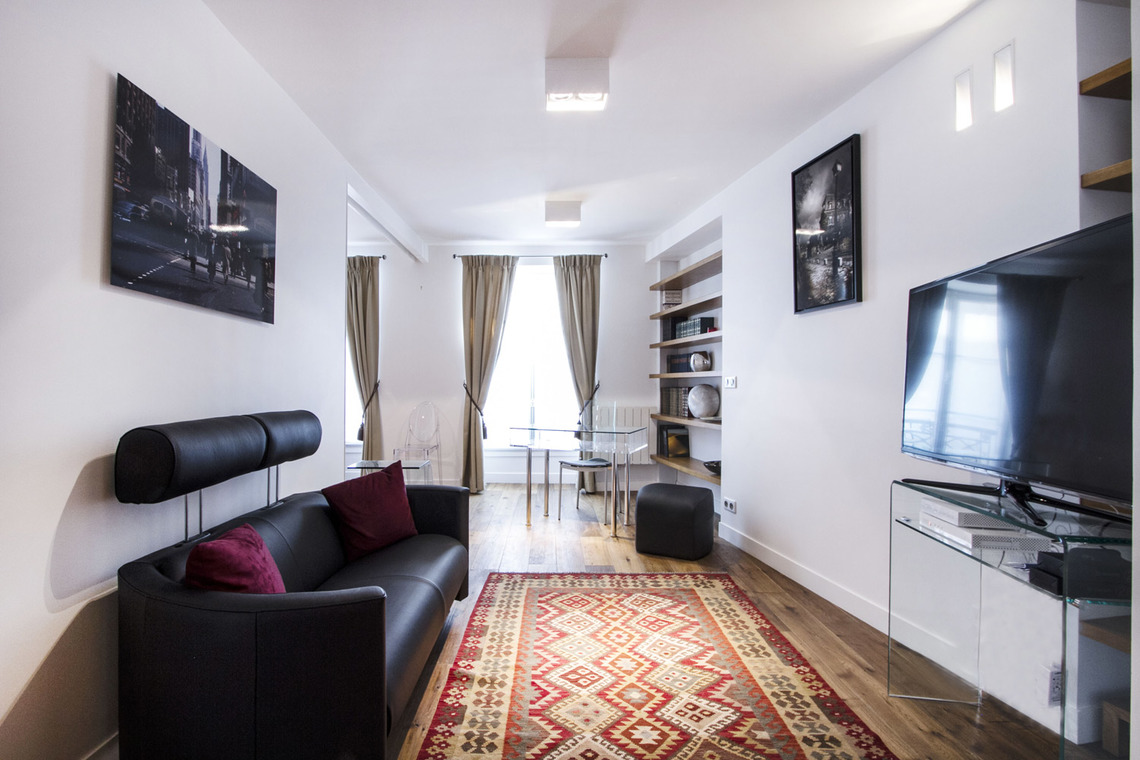 Paris Rue Gaillon Apartment for rent