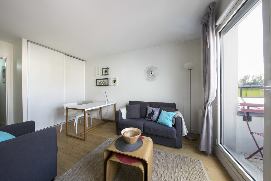 Location appartement meubl rue de lappe paris ref 8341 for Location appartement non meuble paris