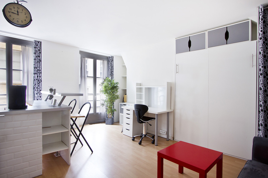 Apartment Paris Rue Saint Sauveur 5