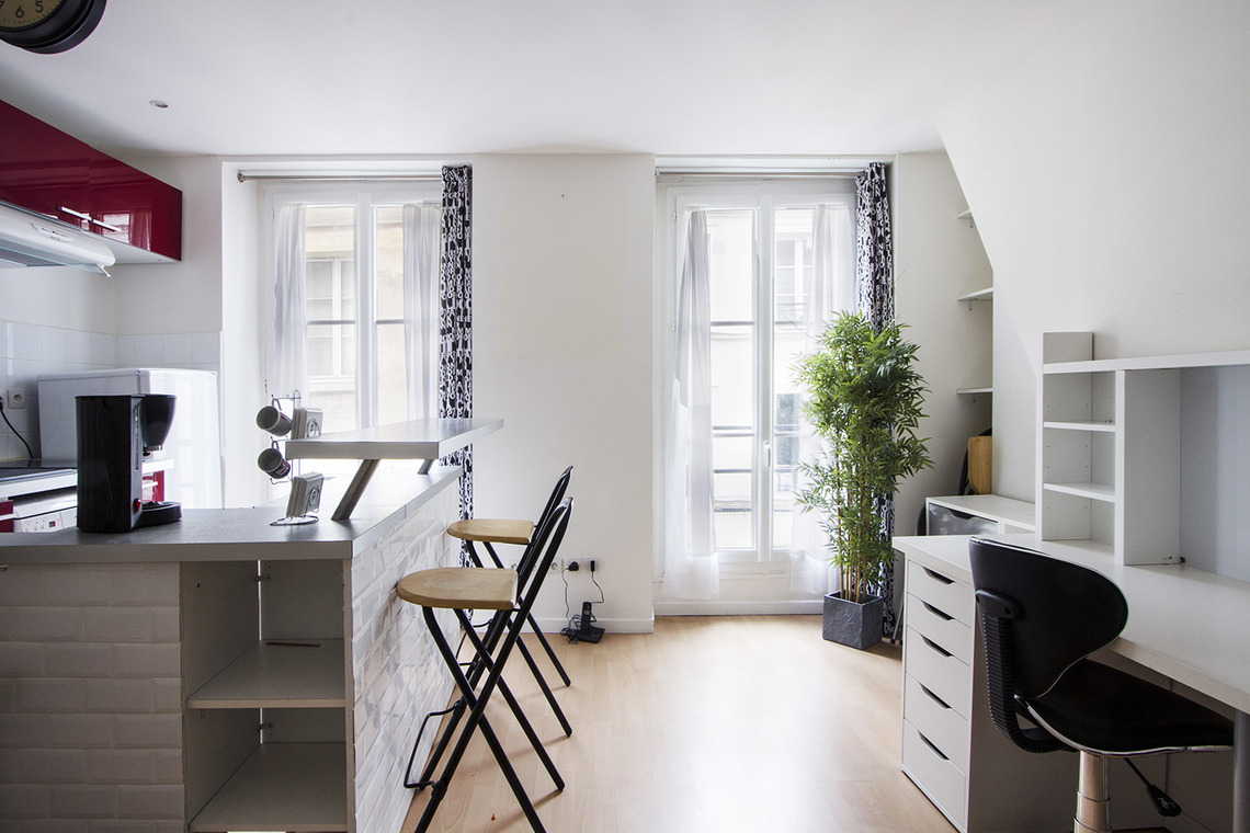 Furnished apartment for rent Paris Rue Saint Sauveur