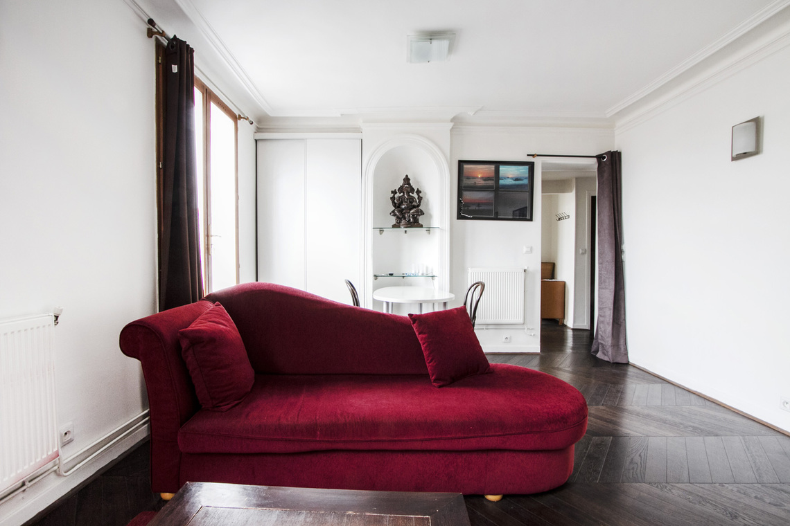 Furnished apartment for rent Paris Rue Pavée