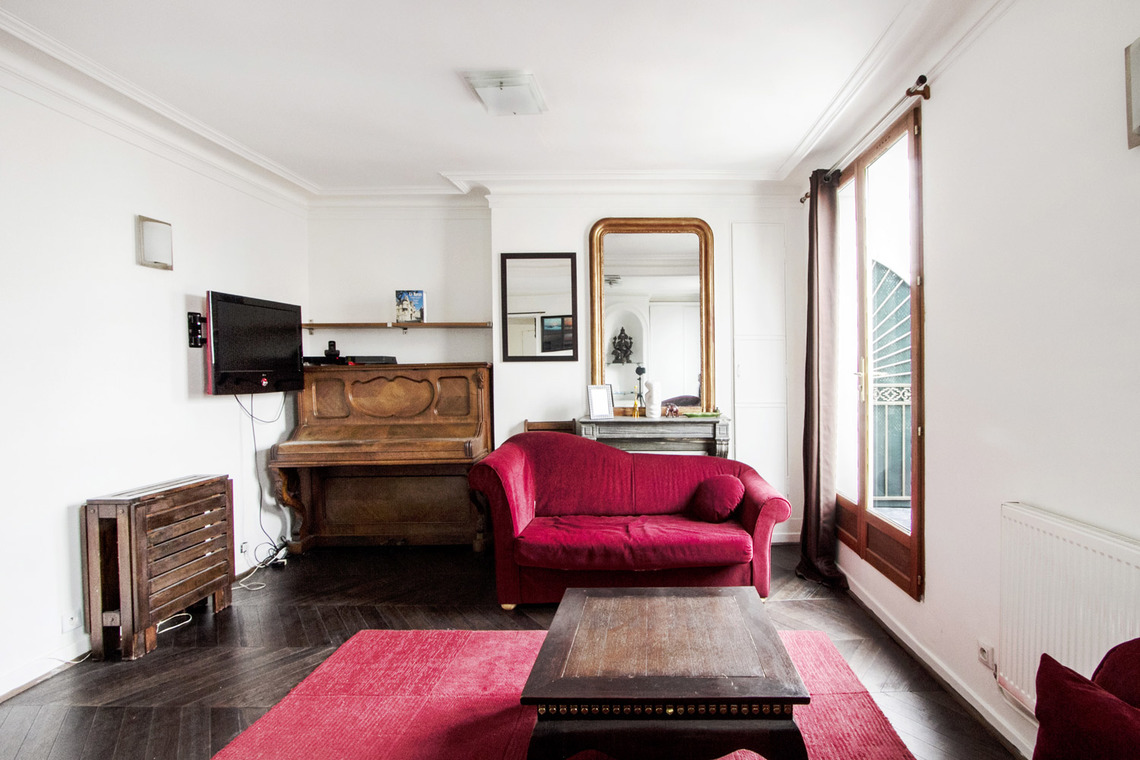Paris Rue Pavée Apartment for rent