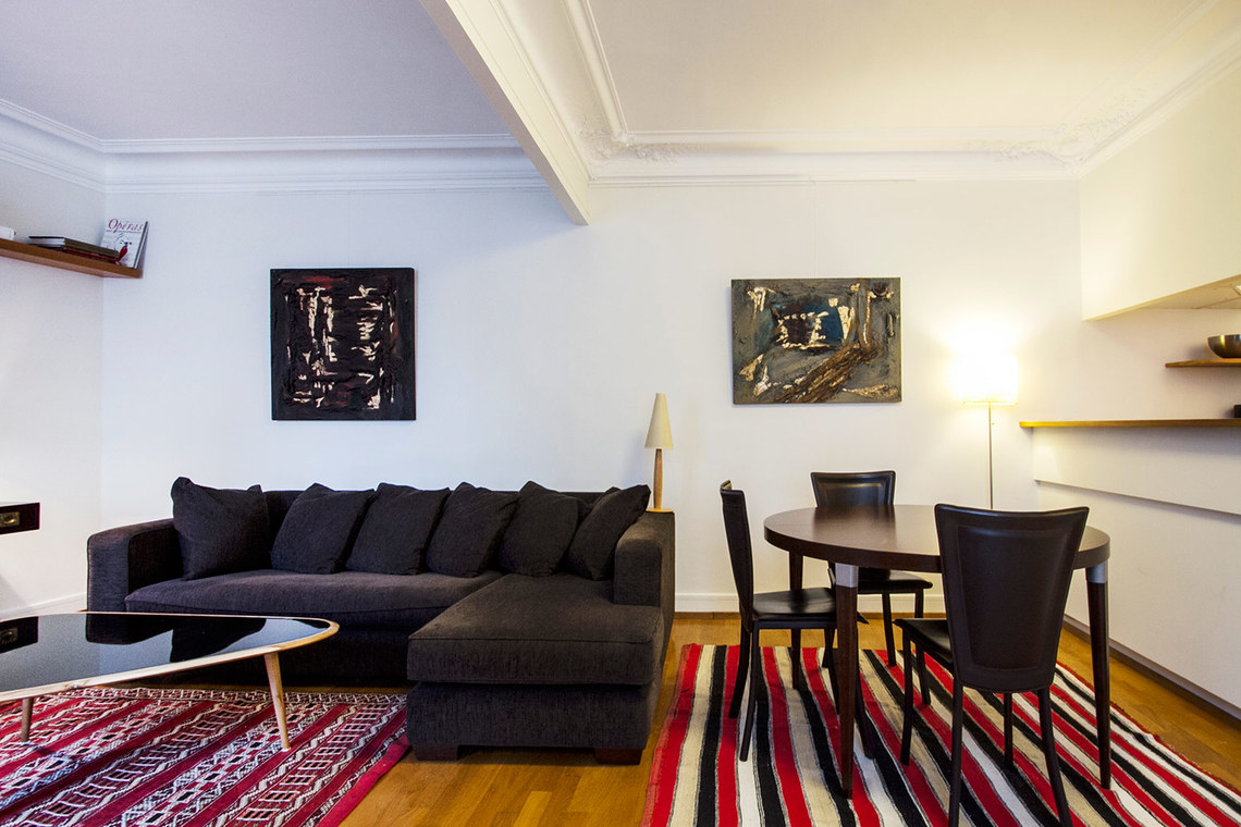 Furnished apartment for rent Paris Rue des Martyrs