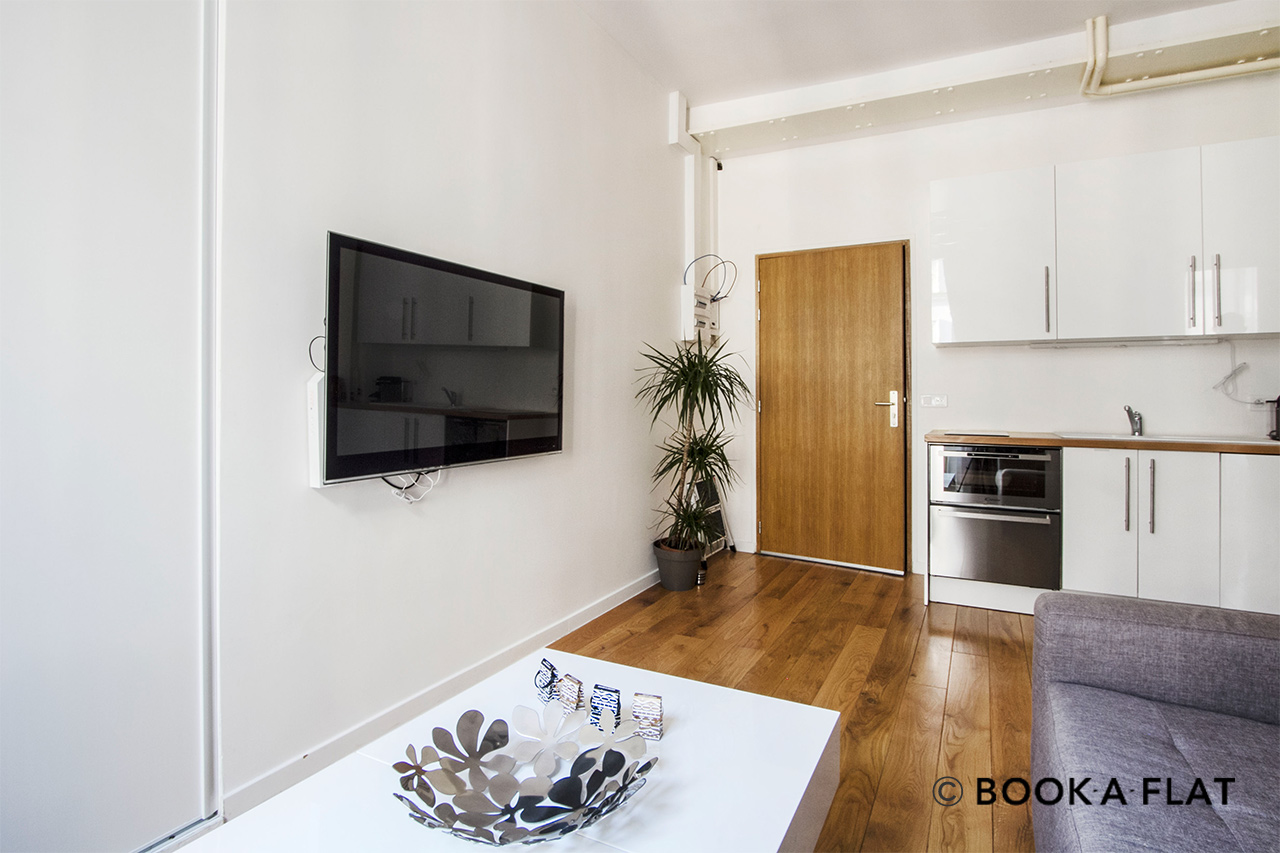 Apartment Paris Rue Volney 4