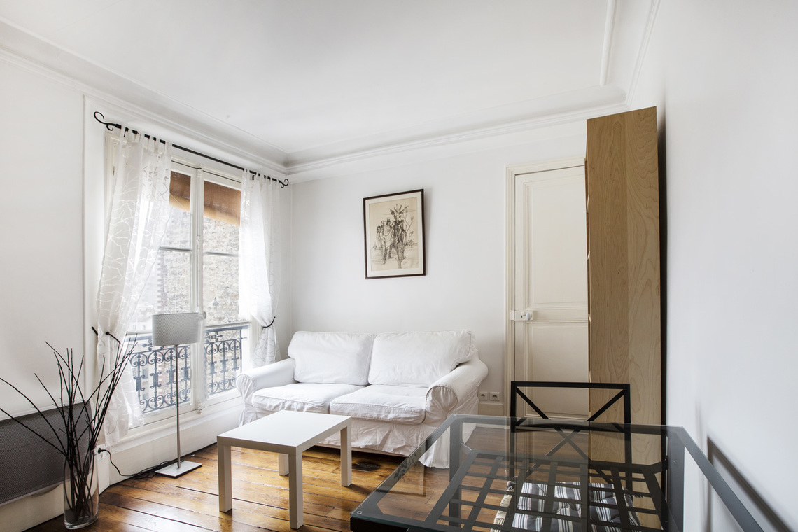 Paris Rue Crespin du Gast Apartment for rent