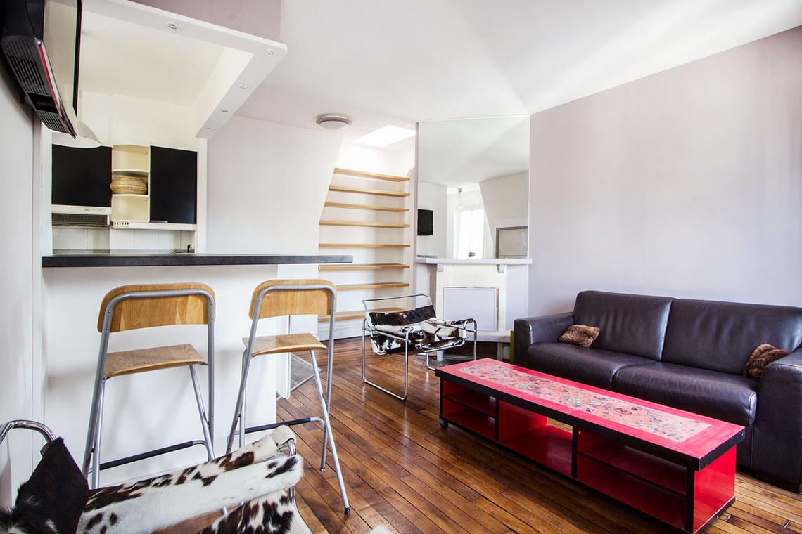 location appartement meubl rue du printemps paris ref 9011. Black Bedroom Furniture Sets. Home Design Ideas