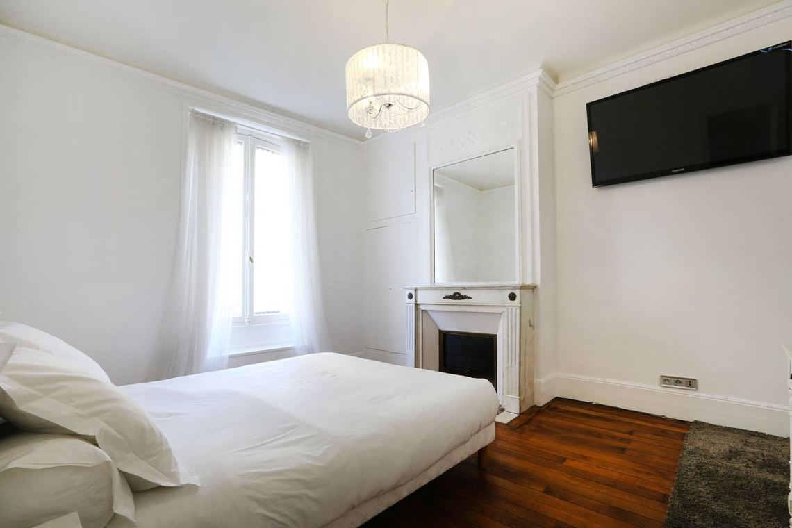Appartement Paris Rue de Saïgon 7