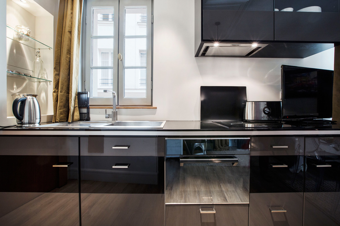 Apartment Paris Rue Royale 6