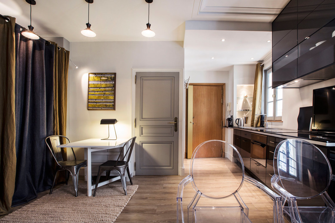 Apartment Paris Rue Royale 4