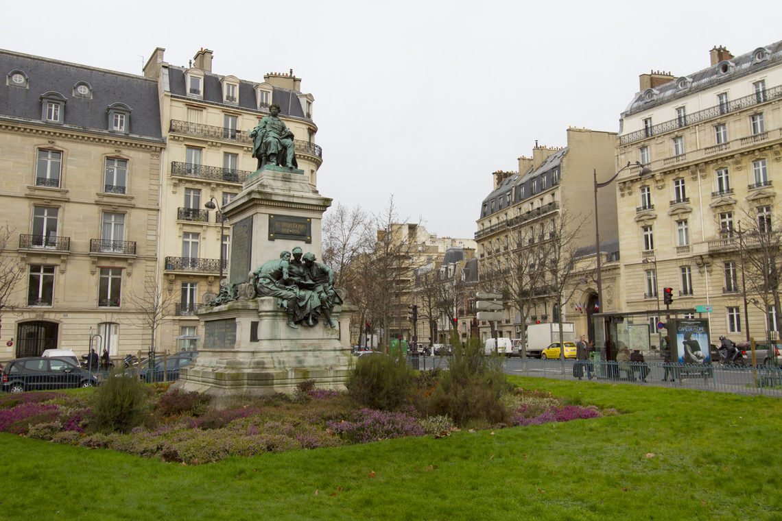 Квартира Paris Avenue de Villiers 14