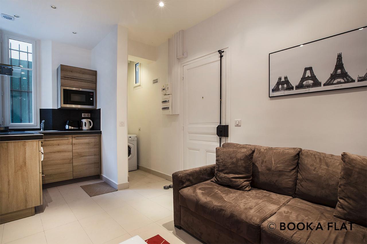 location appartement meubl rue saint charles paris ref 9170. Black Bedroom Furniture Sets. Home Design Ideas