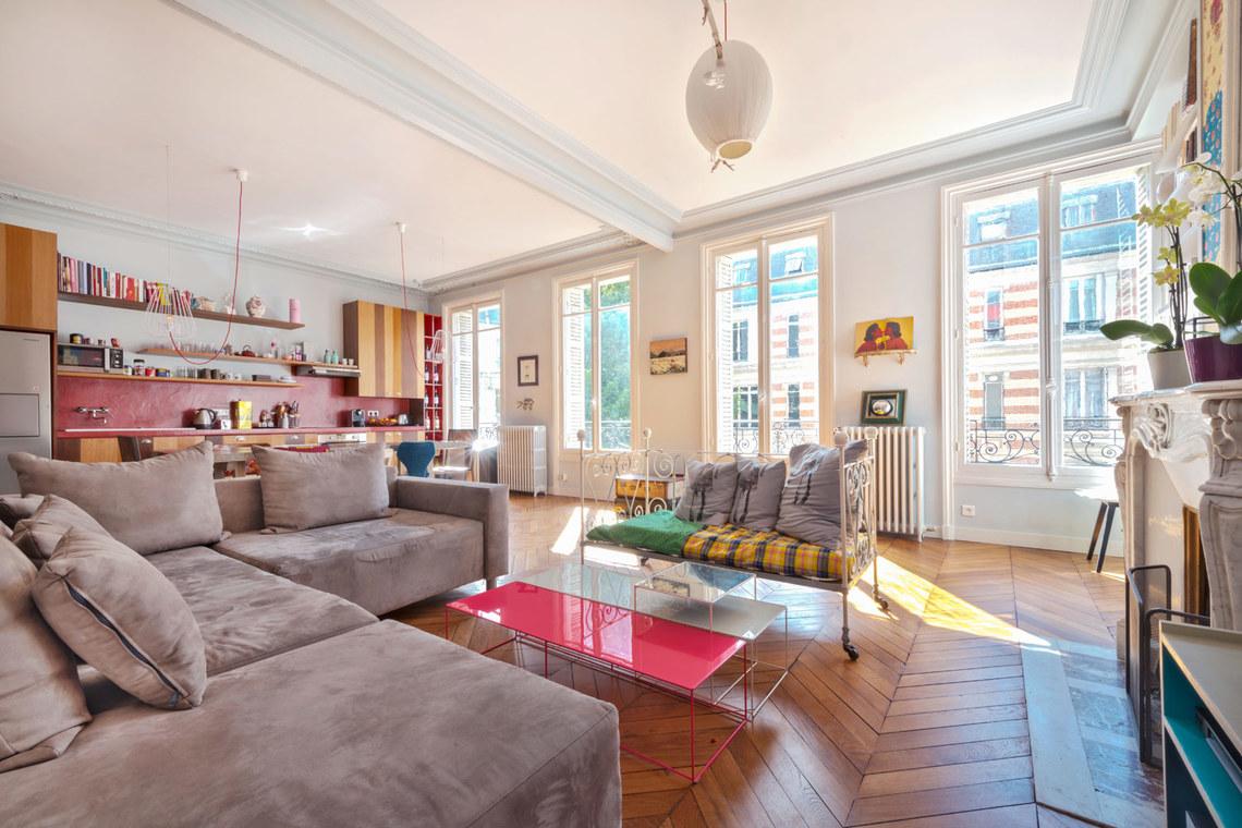 location appartement meubl rue de la tour paris ref 9191. Black Bedroom Furniture Sets. Home Design Ideas