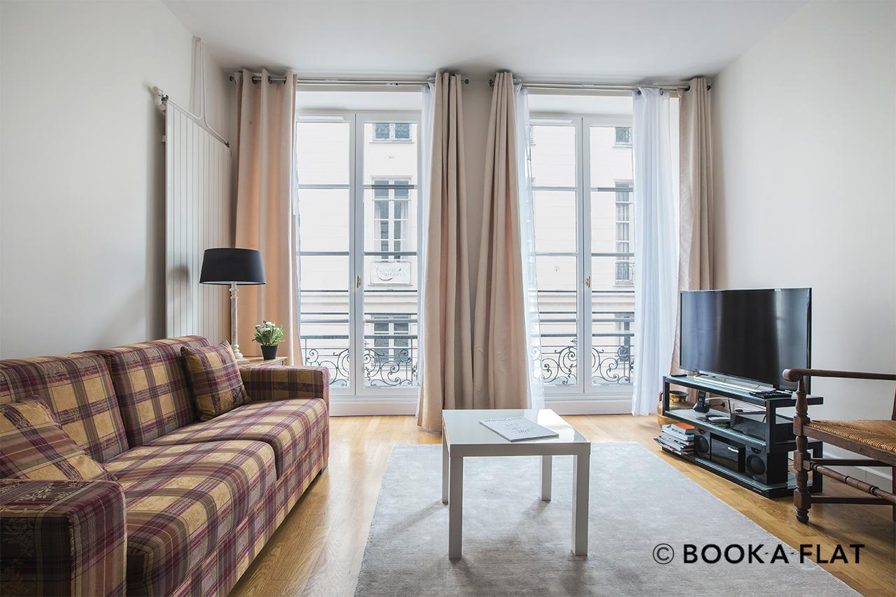 location appartement meubl rue de caumartin paris ref 9316. Black Bedroom Furniture Sets. Home Design Ideas