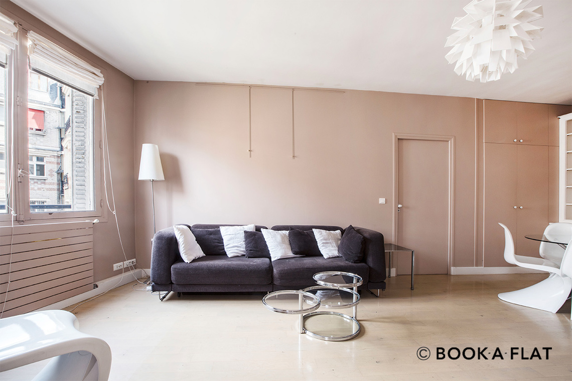 Paris Rue Duret Apartment for rent