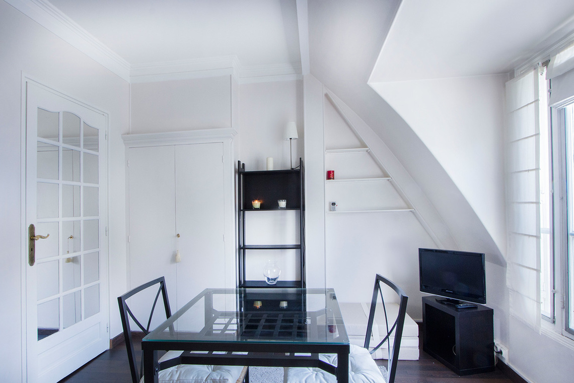 Appartement Paris Rue Balzac 4