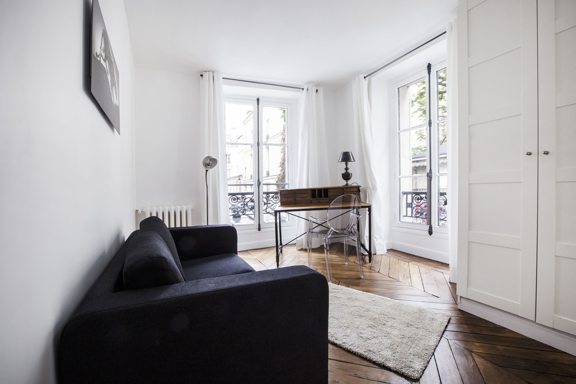 Apartment Paris Rue de Verneuil 10
