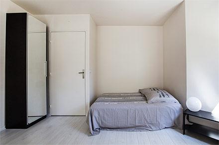 location studio meubl rue vaugelas paris ref 9554. Black Bedroom Furniture Sets. Home Design Ideas