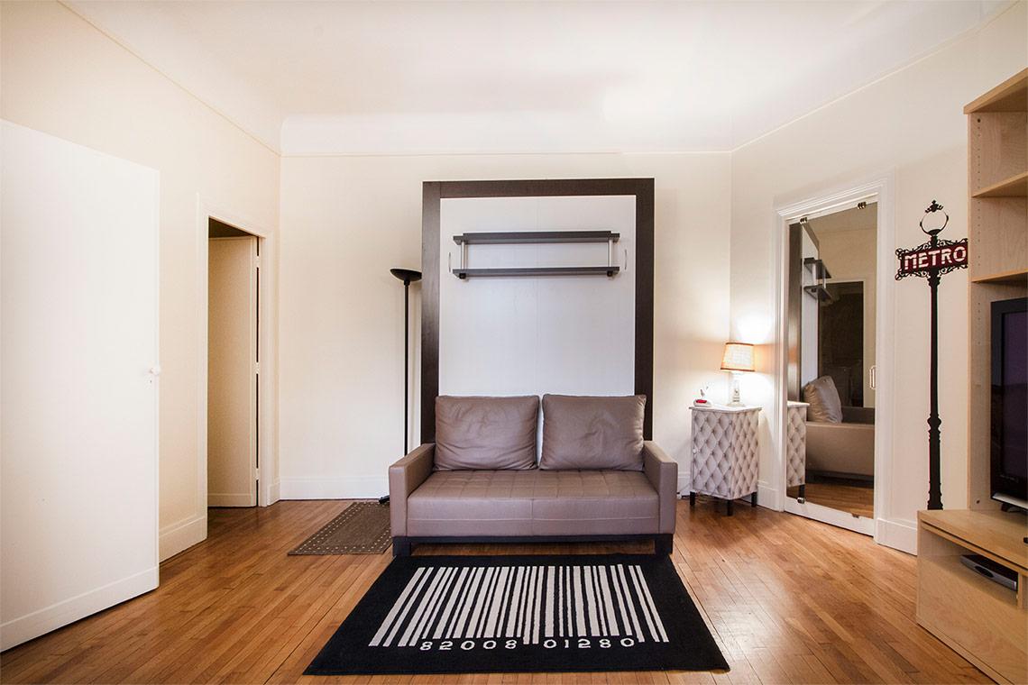 studio for rent rue molitor paris ref 9682. Black Bedroom Furniture Sets. Home Design Ideas