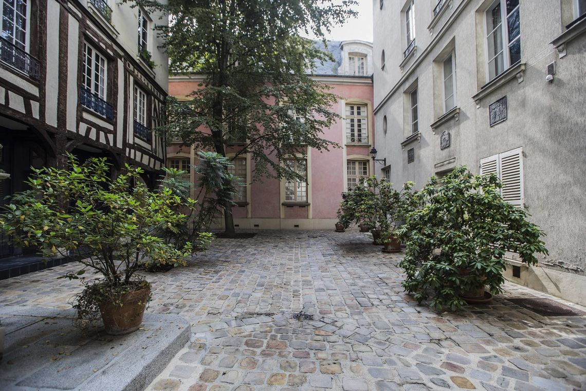 Apartment Paris Rue Elzevir 13