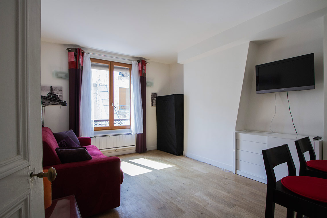 Furnished apartment for rent Paris Rue de Sèvres