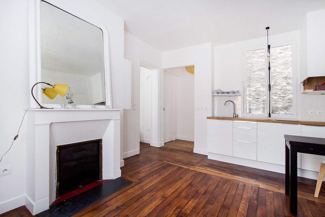 Apartment Paris Rue Saint Romain 3