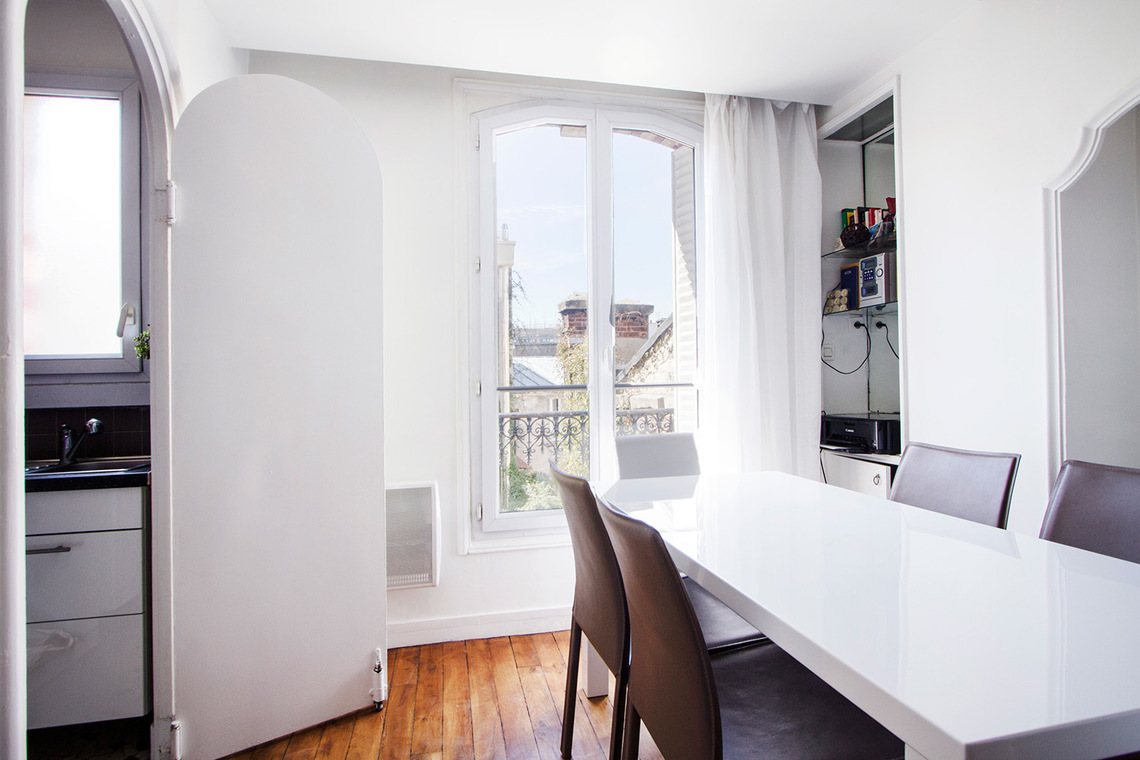 Apartment Paris Rue Truffaut 4